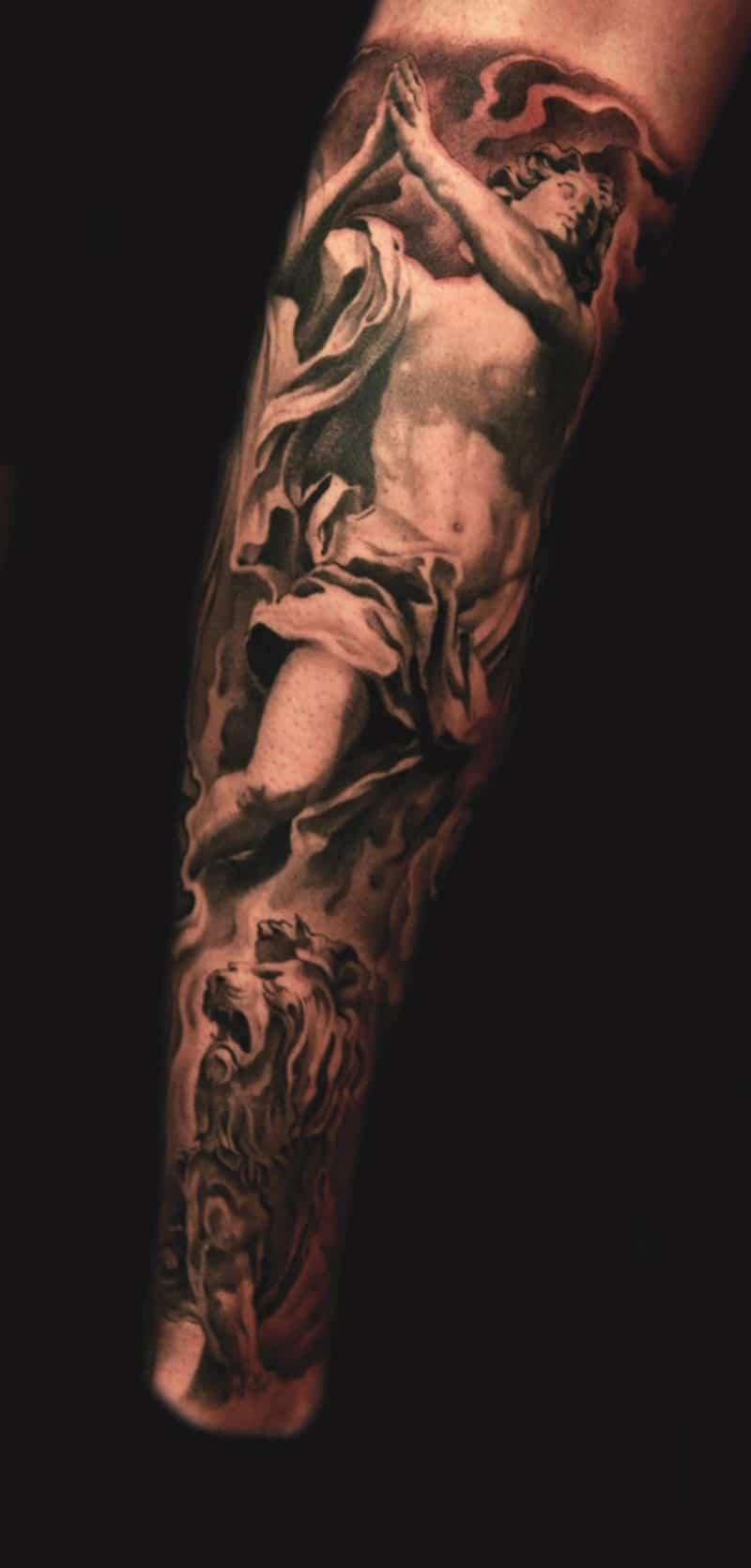Un Tattoo Avec Un Dieu Grec Inkage