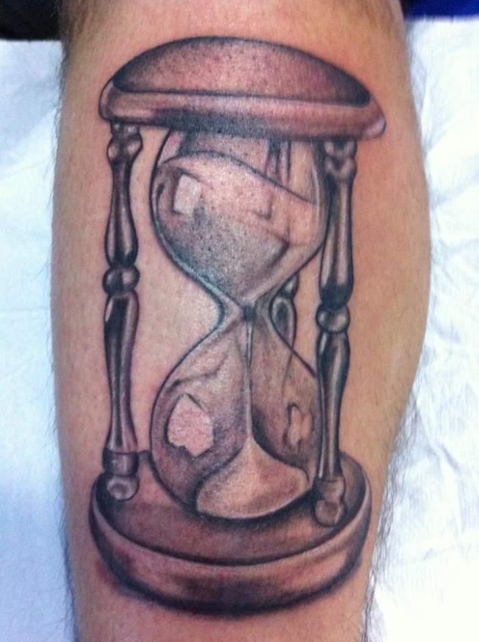 Tattoo D Un Sablier Inkage