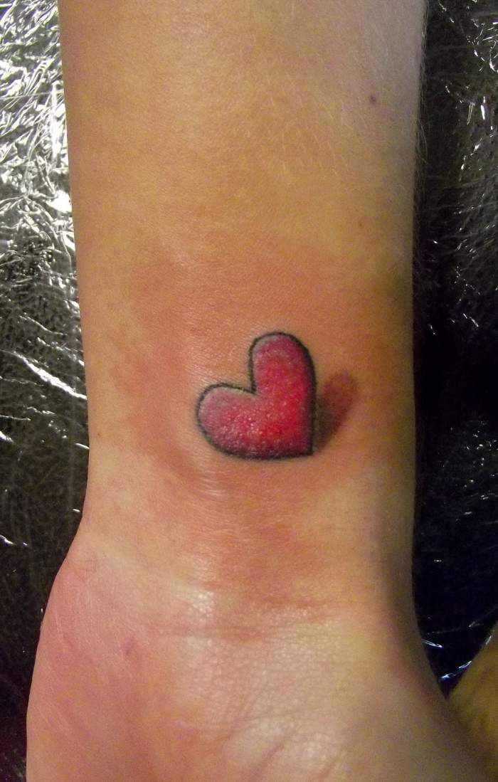 Tatouage r pr sentant un coeur inkage - Petit coeur tatouage ...