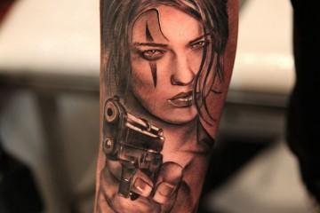 Pistolet - Tatouage pistolet femme ...