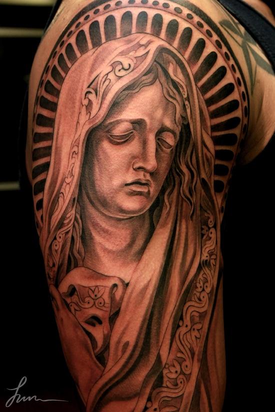 Un Tattoo De Sainte Vierge Inkage