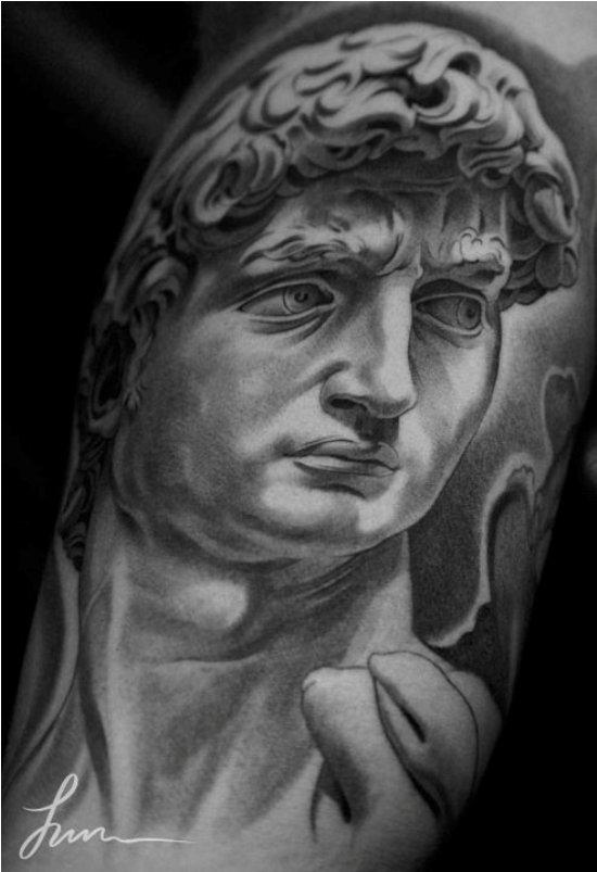 Un Tatouage De Statut Grec Inkage