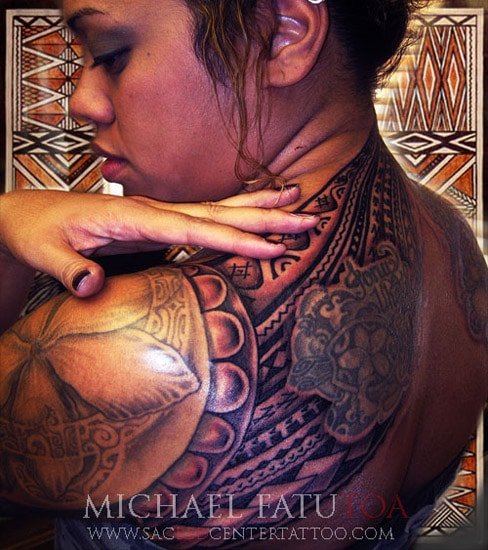 tatouage maori polyn sien femme dos inkage. Black Bedroom Furniture Sets. Home Design Ideas