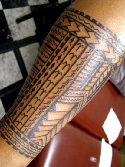Tatouage Maori Polynesien Jambe Inkage