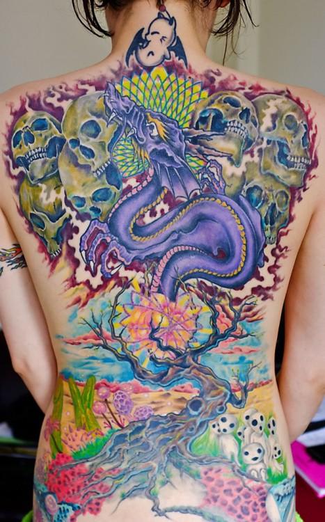 tatouage dragon dans le dos inkage. Black Bedroom Furniture Sets. Home Design Ideas
