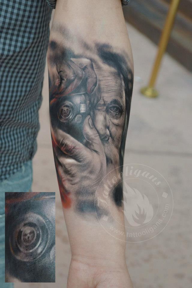 Tatouage Homme Avec Appareil Photo Inkage
