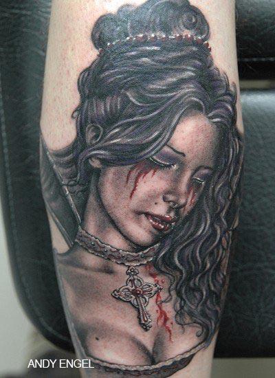 Tatouage visage femme qui pleure - Tatouage larme signification ...