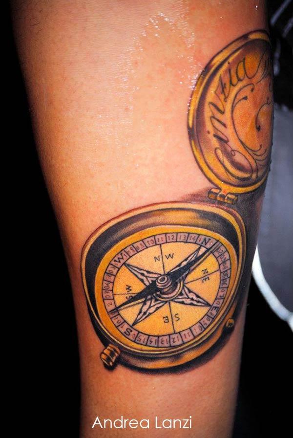 Tatouage boussole sur le bras inkage - Tatouage homme boussole ...