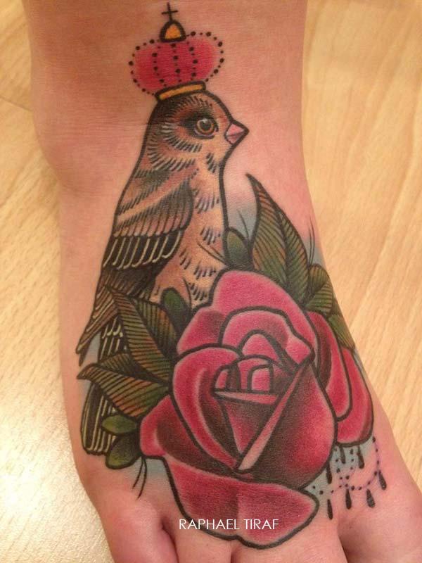 tatouage petite oiseau avec une couronne et une rose inkage. Black Bedroom Furniture Sets. Home Design Ideas