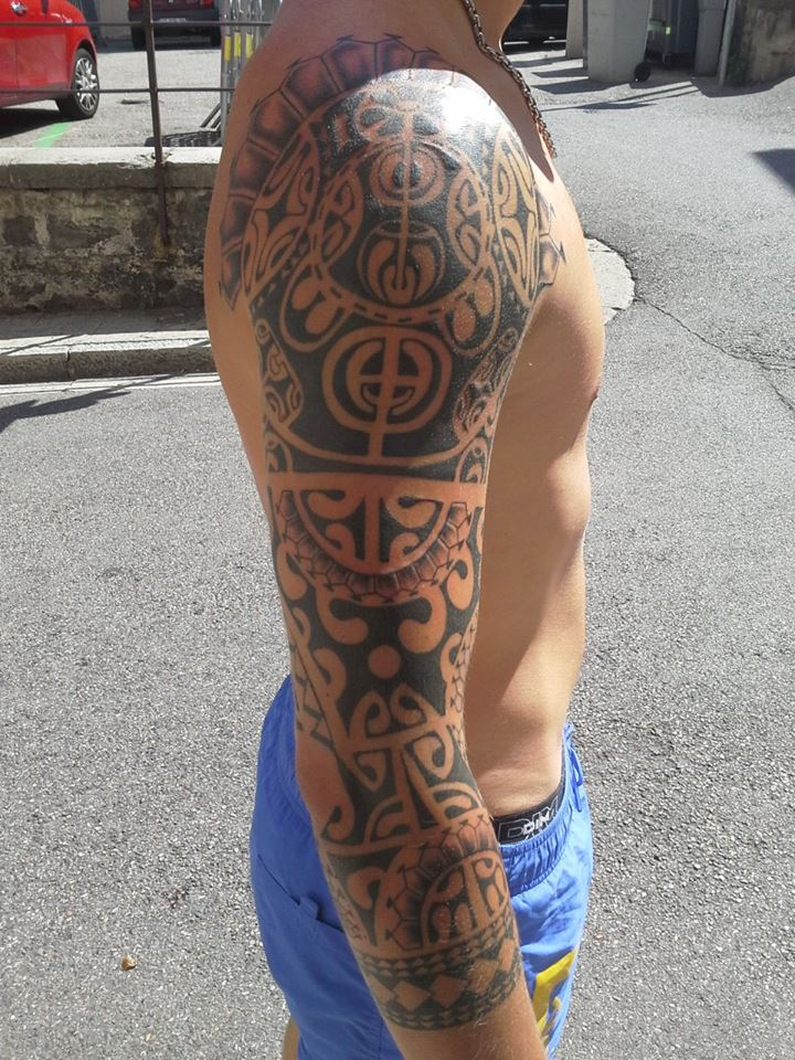 Tatouage Bras Maori Inkage