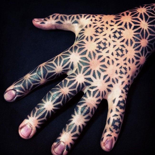 Les tatouages dotwork de Nazareno Tubaro  (9)