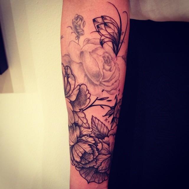 Tatouage fleur graphique inkage - Tatouage homme fleur ...