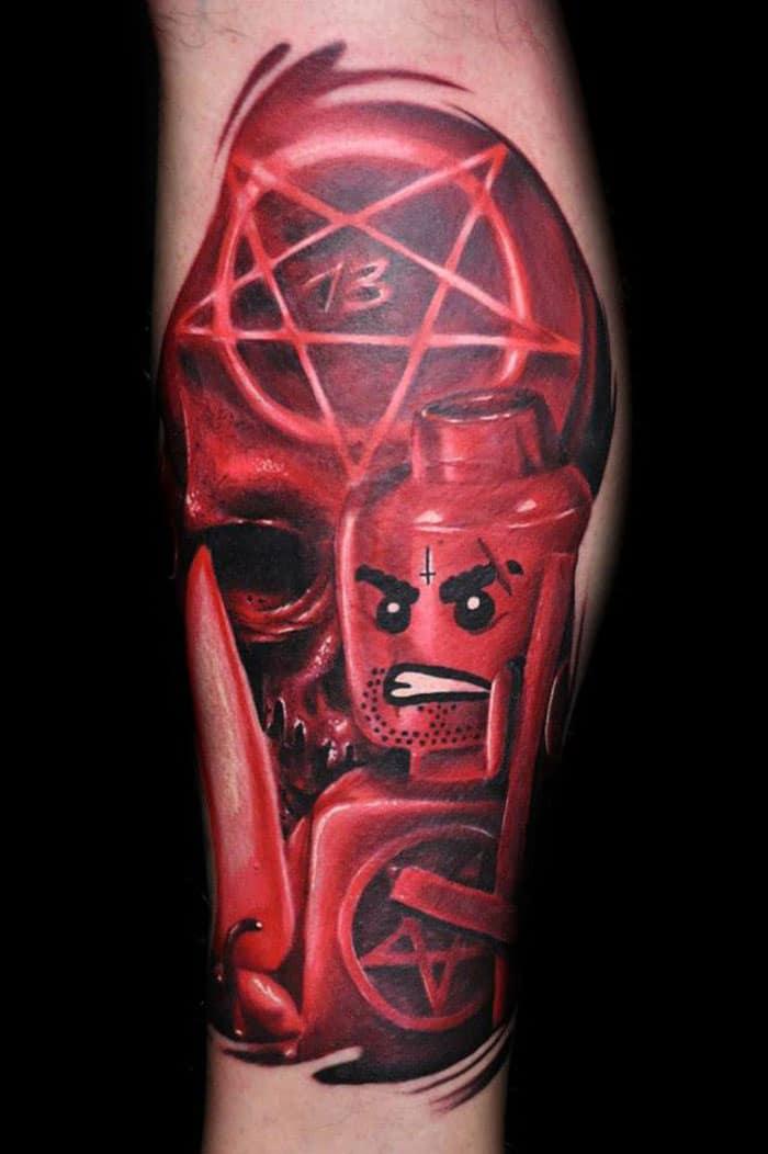 Max-Pniewski--tatouage-lego (1)
