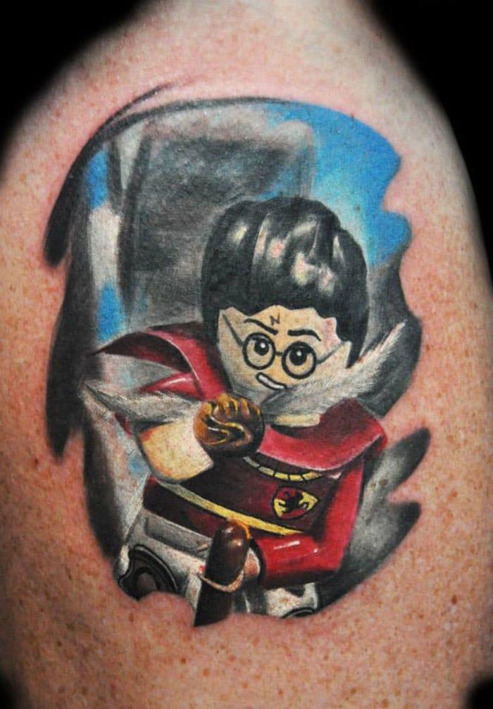 Max-Pniewski--tatouage-lego (3)