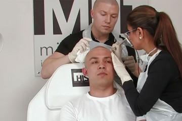 Un-tatouage-contre-la-perte-de-cheveux