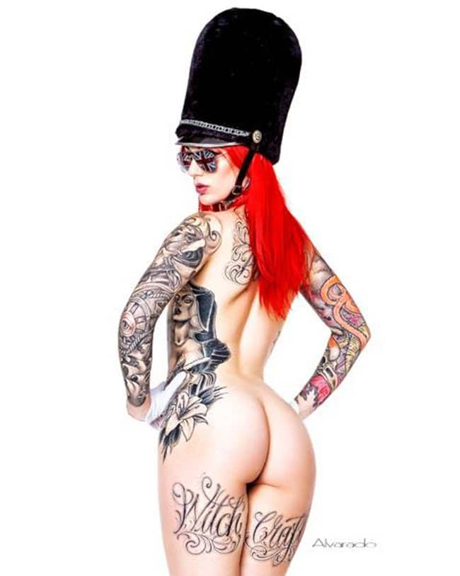 cervean-fox-femme-tattoo-tatouage-sexy-photo-modele--(4)