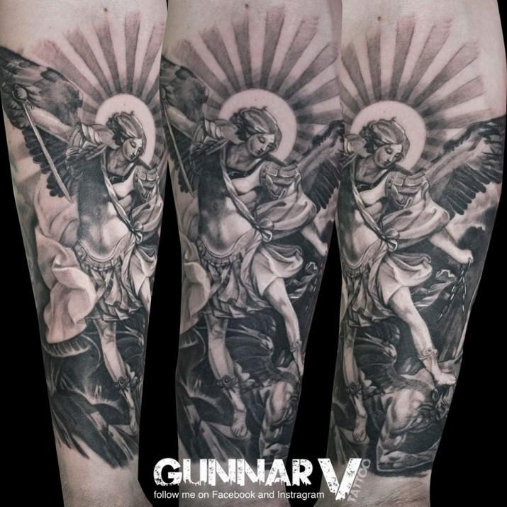tatouage-realiste-par-Gunnar-Valdimarsson- (5)