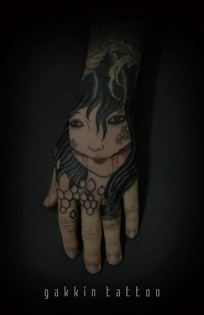 Les tatouages-noirs-de-Gakkin- (23)