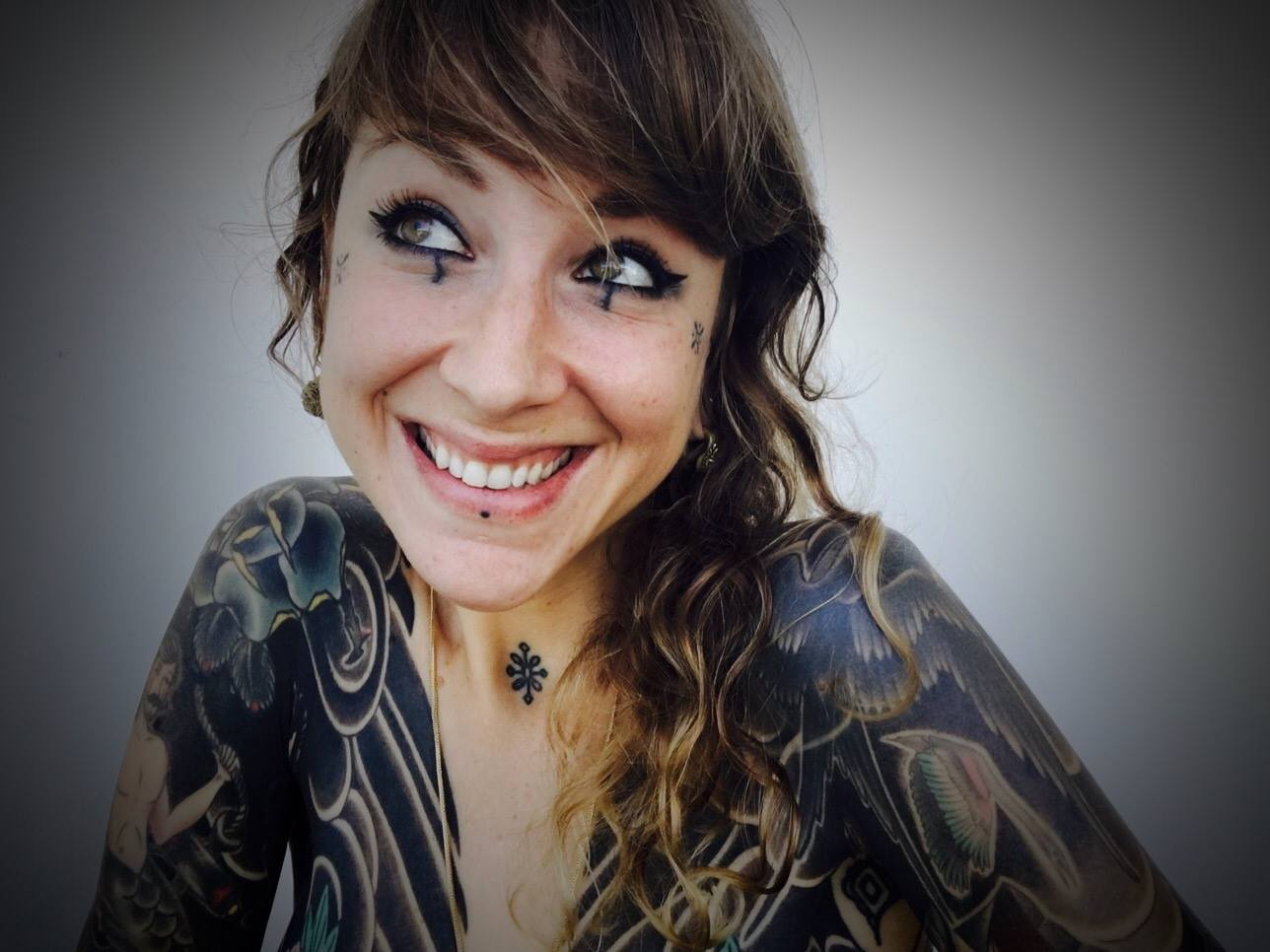 Clique sur l'image pour aller la liker sur l'album FB du concours Miss Tattoo France